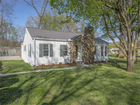 195 hair street soddy daisy tn 37379 for sale,1-level home,2 bedrooms,den with fireplace, level lot,